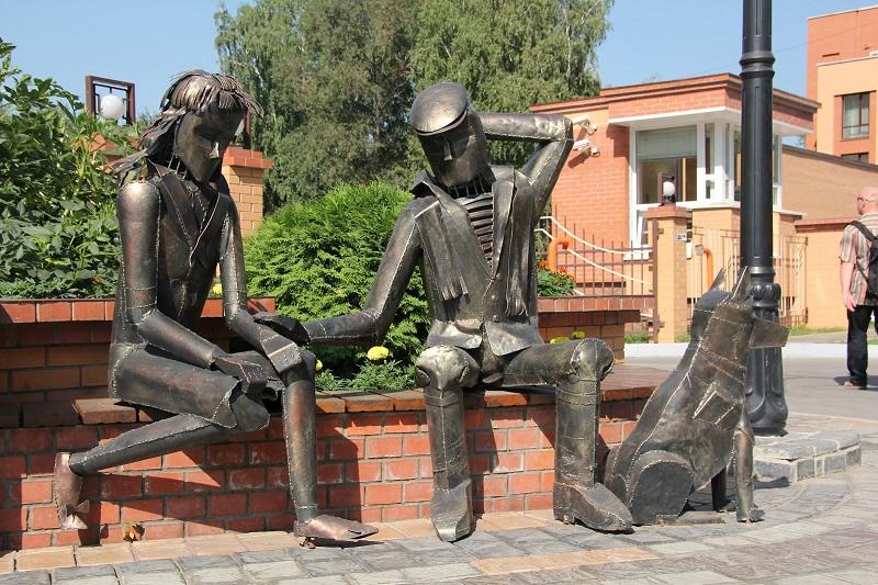 Скульптура Прощание на Аллее призыва. Новосибирск. Фото