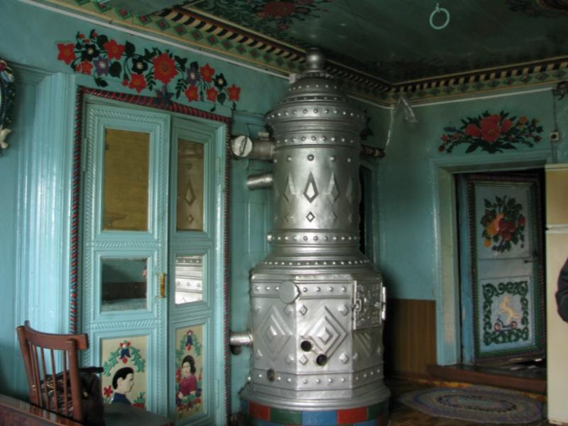 Самодельная печь в доме кузнеца Кириллова. Фото