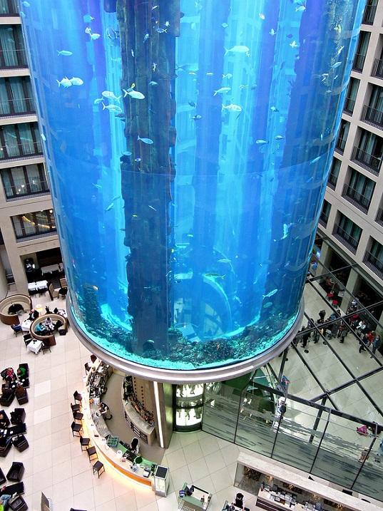 Отель Radisson Blu в Берлине. Гигантский аквариум