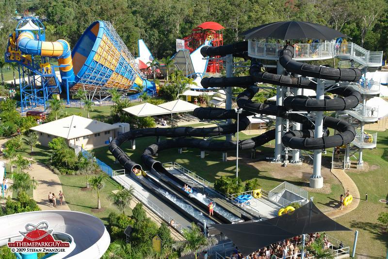 Аттракционы аквапарка «Неукротимая водная стихия» в Австралии. Фото