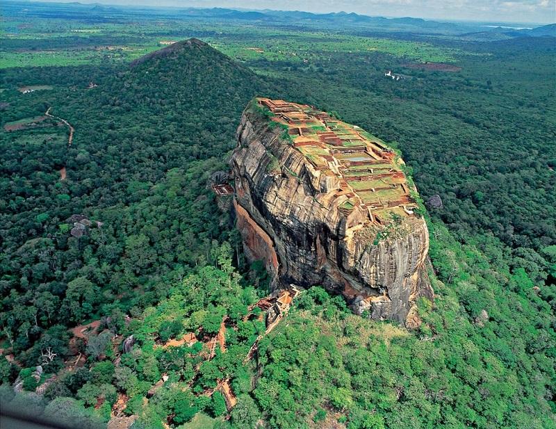 Крепость-дворец Сигирия. Шри-Ланка. Вид сверху