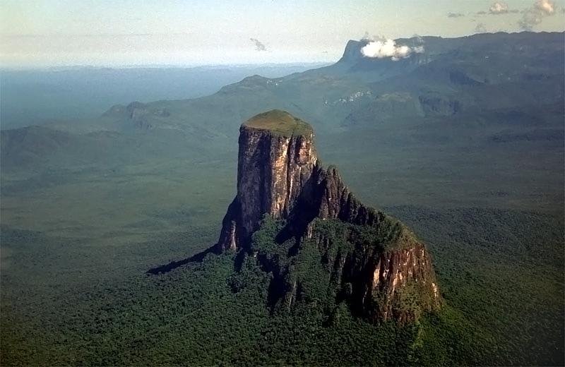 Столовая гора (тепуи) Аутана. Фото