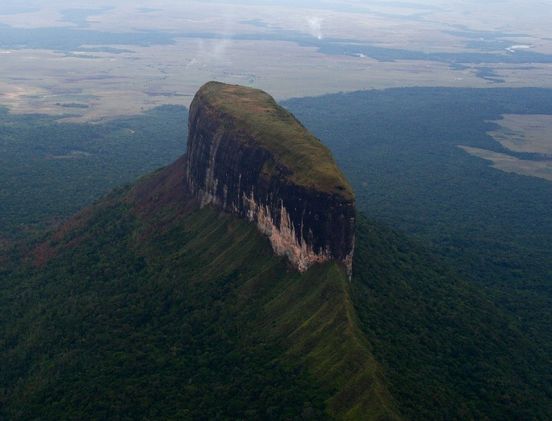 Столовые горы - тепуи. Фото