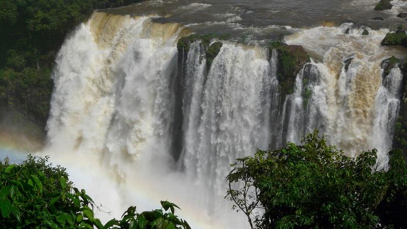 Водопады Игуасу в Бразилии и Аргентине