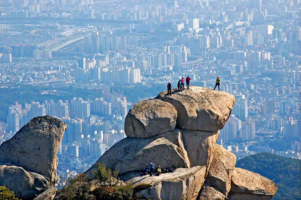 Гора Пукхансан в Сеуле. Южная Корея. Фото