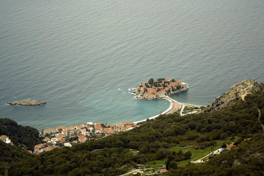 Остров-отель Свети-Стефан. Черногория. Вид сверху