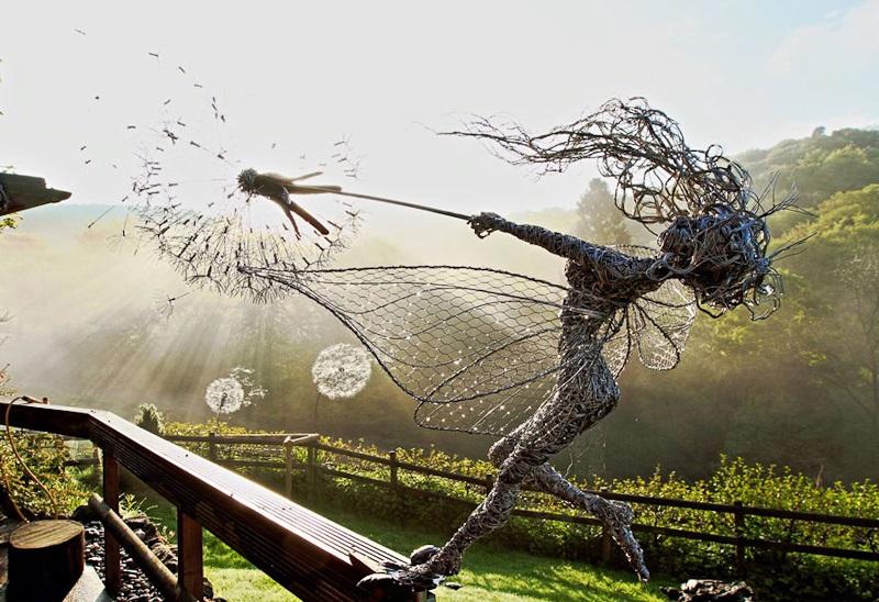 Скульптуры фей из проволоки