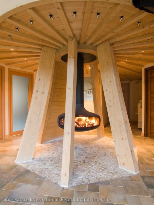 Вращающийся экологичный дом Domespace. Фото
