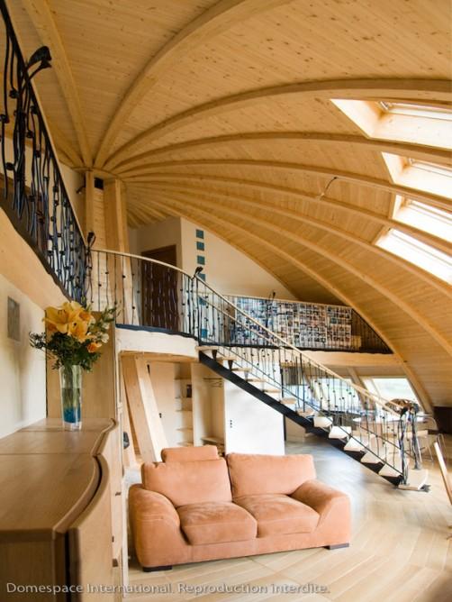 Вращающийся экологичный дом Domespace. Интерьер