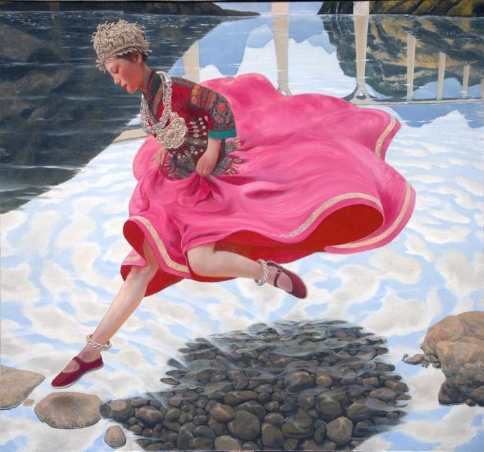 Тибетская девушка, бегущая по воде