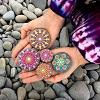 Мандалы на пляжных камнях от художницы Элспет Маклин (27 фото)