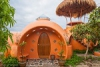 Необычный куполообразный дом в Таиланде (24 фото)